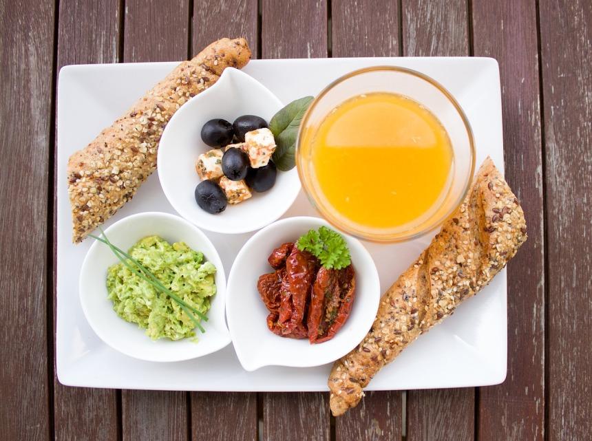 breakfast-1804436_1280.jpg