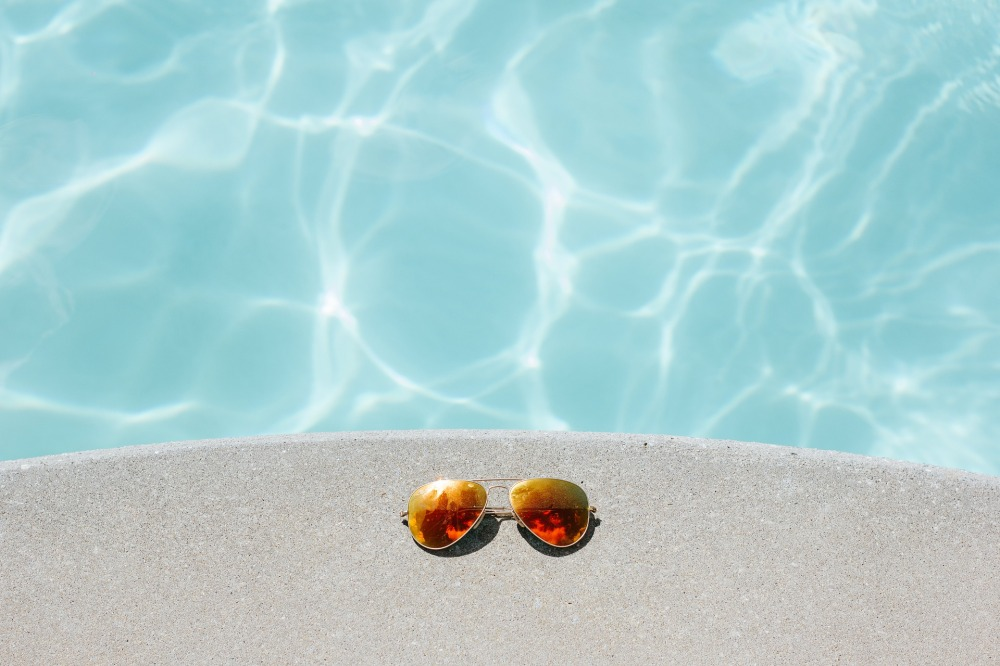 sunglasses-1850648_1920.jpg